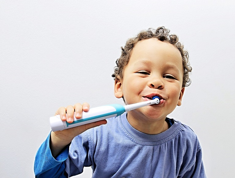 toddlers brushing teeth; healthy mouth